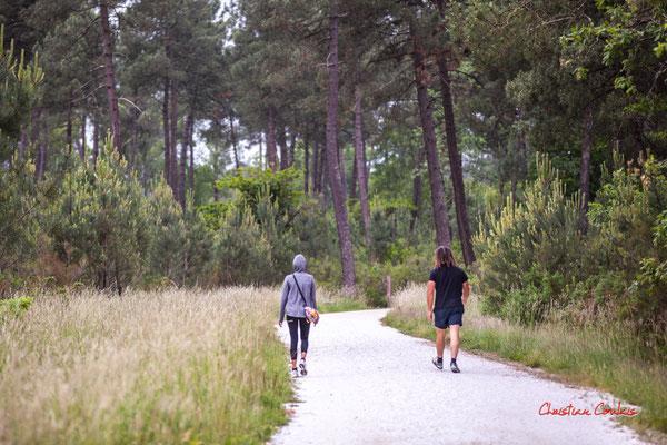 Marcheurs dynamiques. Forêt de Migelan, espace naturel sensible, Martillac / Saucats / la Brède. Samedi 23 mai 2020. Photographie : Christian Coulais