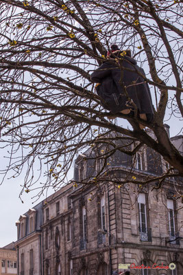 """14h44 """"Prendre de la hauteur 2"""" Manifestation intersyndicale de la Fonction publique/cheminots/retraités/étudiants, place Gambetta, Bordeaux. 22/03/2018"""