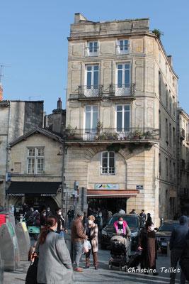 Marché de Saint-Michel et ses alentours, Bordeaux. Samedi 6 mars 2021. Photographie © Christine Teillet