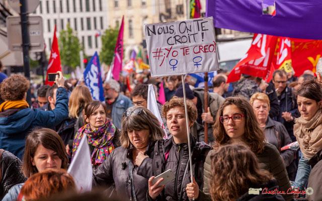 """10h54 """"Nous, on te croit ! #yotecreo"""" 26/04/2018, en Espagne, le verdict du procès d'un viol a causé la colère des Espagnols qui sont nombreux à avoir manifester leur désarroi dans la rue et sur les réseaux sociaux. Bordeaux. 01/05/2018"""
