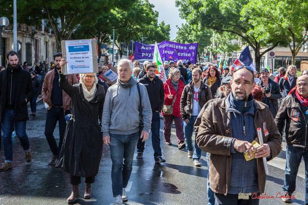 """""""Les riches vivent au dessus de nos moyens"""" Manifestation du 1er mai 2017, avec la France Insoumise, cours d'Albret, Bordeaux"""