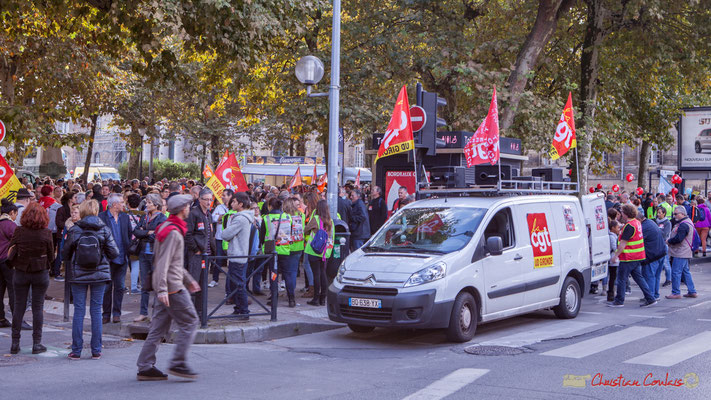 Fourgon C.G.T. Manifestation intersyndicale de la Fonction publique, cours d'Albert, Bordeaux. 10/10/2017