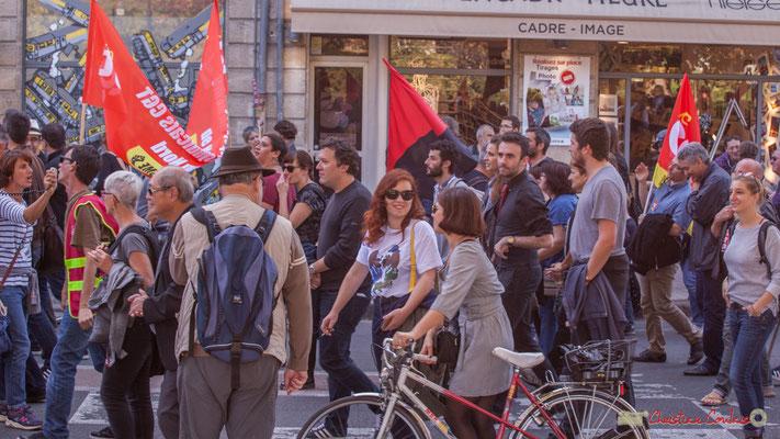 Rouge & Noir, la C.N.T. n'est pas loin ! Manifestation intersyndicale de la Fonction publique, place Gambetta, Bordeaux. 10/10/2017
