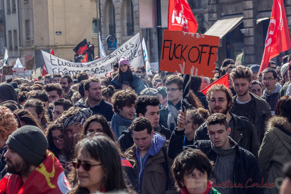 "14h25, ""Fuck off"". Place Gambetta, Bordeaux"