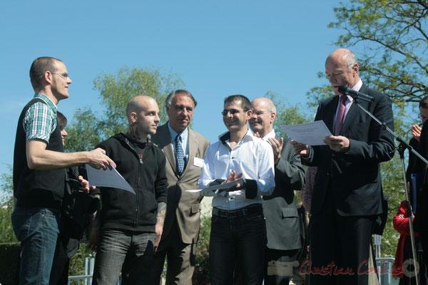Remise des premiers diplômes de formation du Centre Aérocampus Aquitaine par Alain Rousset, Président du Conseil régional