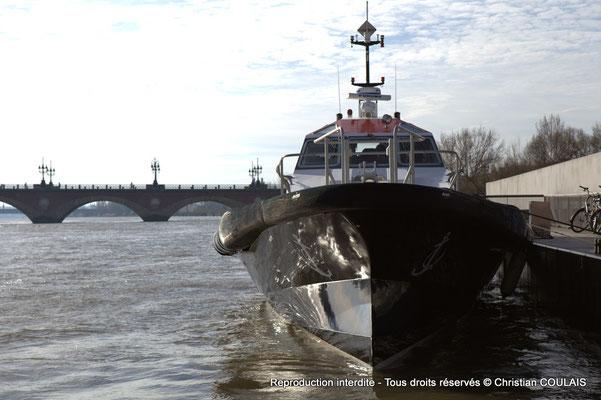 Vedette pilote du port autonome de Bordeaux. Bordeaux, samedi 16 mars 2013