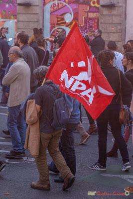 N.P.A. Nouveau Parti Anticapitaliste. Manifestation intersyndicale de la Fonction publique, place Gambetta, Bordeaux. 10/10/2017