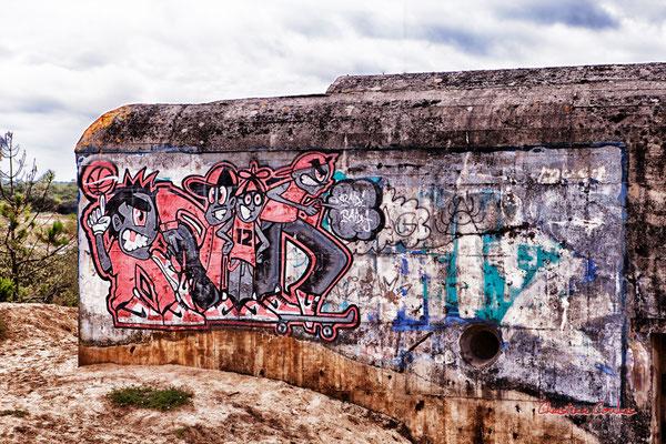 """Graff """"12"""" Bunker, batterie des Arros, mur de l'Atlantique, Soulac-sur-Mer. Samedi 3 juillet 2021. Photographie © Christian Coulais"""