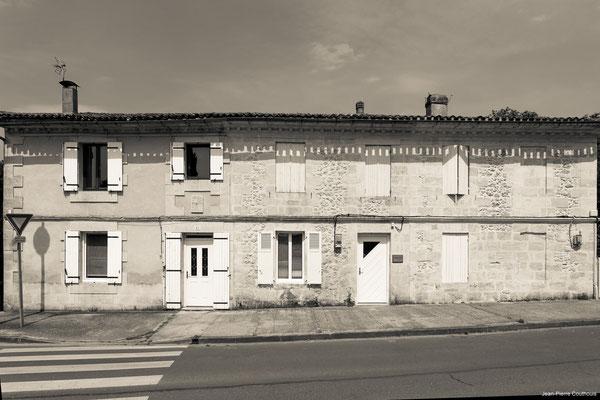 Avenue de la République, dentiste par Jean-Pierre Couthouis. Cénac d'aujourd'hui. 15/05/2018