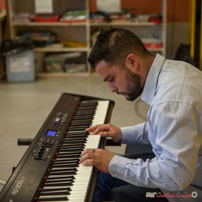 Vladimir Jelenkovic, conférence jouée auprès des chorales de Cénac et du Tourne. Festival JAZZ360, 6 juin 2017, Le Tourne