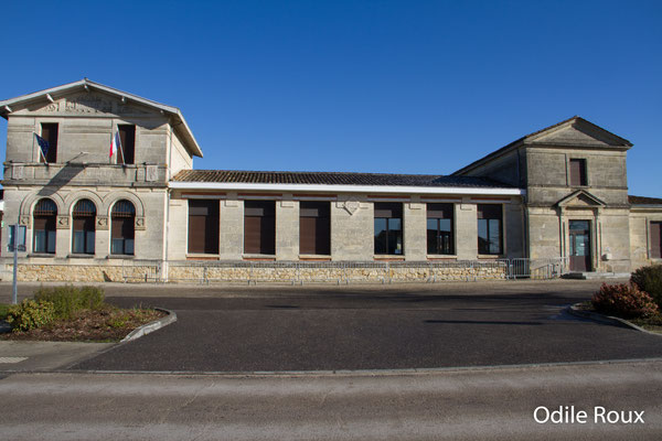 Mairie-Ecole par Odile Roux. Cénac d'aujourd'hui. 10/02/2018