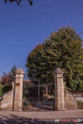 Portail du domaine Raffy. Avenue de Bordeaux, Cénac, Gironde. 16/10/2017