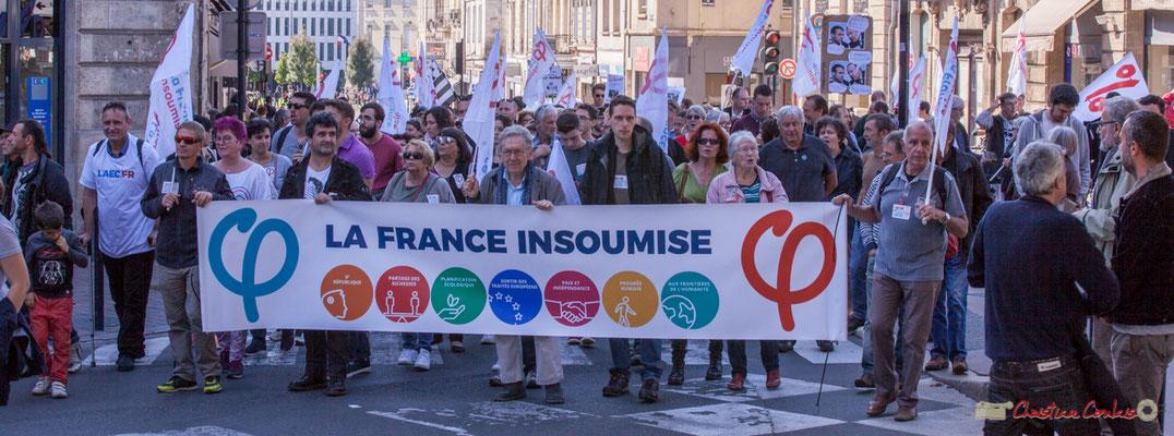 12h59  Bannière La France insoumise. Manifestation intersyndicale de la Fonction publique, place Gambetta, Bordeaux. 10/10/2017