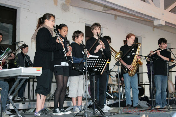 Clarinettes, trombone à coulisse, saxophone ténor, flûte traversière. Big Band Jazz du Collège Eléonore de Provence, de Monségur (promotion 2010). Festival JAZZ360 2010, Cénac. 12/05/2010