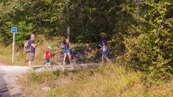 """""""Pause enfantine"""" De la sation vélo de Créon à l'ancienne gare de Sadirac; 5,5km. Ouvre la voix, dimanche 5 septembre 2021. Photographie © Christian Coulais"""