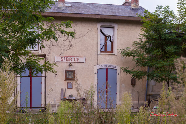 Ancienne gare de Saint-Brice. De Saint-Brice à Frontenac; 7km. Ouvre la voix, samedi 4 septembre 2021. Photographie © Christian Coulais