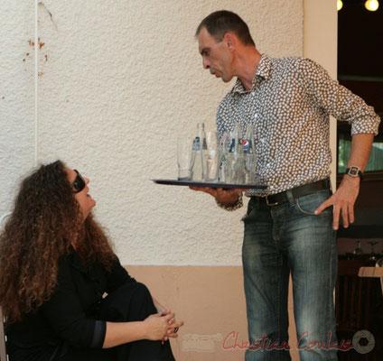 Gaël Nin, Thierry Tujague, gérant du Restaurant les Acacias, partenaire du Festival JAZZ360, Cénac. 05/06/2011