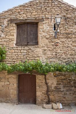 Maison au pied de vigne, Ujué, Navarre /  Casa al pie del viñedo, Ujué, Navarra