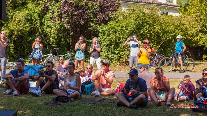 Pause musicale à la gare de Citon-Cénac avec Purple Ashes. Ouvre la voix, dimanche 5 septembre 2021. Photographie © Christian Coulais