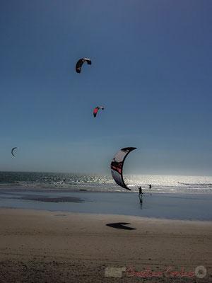 Kitesurf sur la Grande Plage, Saint-Gilles-Croix-de-Vie, Vendée, Pays de la Loire