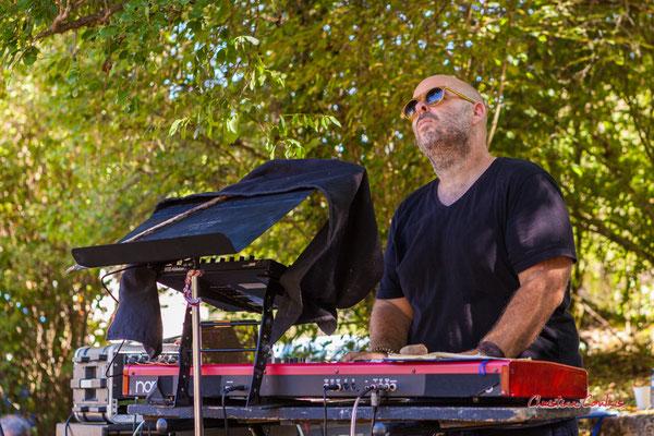 Syan; Purple Ashes en concert. Festival Ouvre la voix, Citon-Cénac, dimanche 5 septembre 2021. Photographie © Christian Coulais