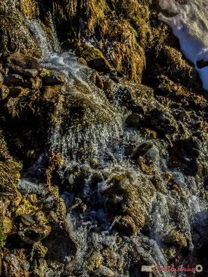 Cascade d'un ruisseau se jetant dans le gave du Brousset, Soques, RD 134 bis, Laruns, Pyrénées-Atlantiques