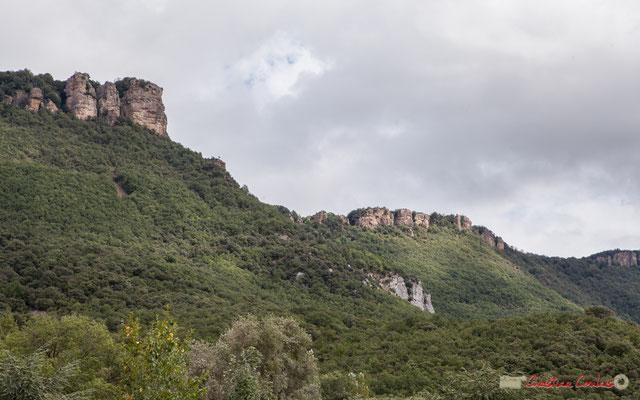 Vue de la Sierra de Leyre depuis le Monastère San Salvador de Leyre /  Vista de la Sierra de Leyre desde el Monasterio de San Salvador de Leyre, Yesa, Navarra