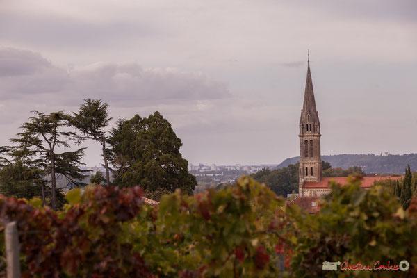 Chemin de randonnée; à l'horizon, vélodrome et stade de Bordeaux. Prix départemental du Paysage, Quinsac 30/10/2017