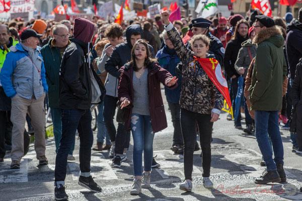14h22, arrivée de la manifestation place (Léon) Gambetta, Bordeaux