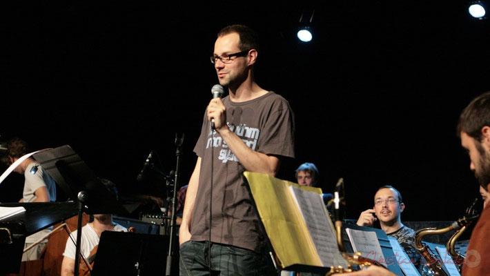 Julien Dubois, direction du Big Band du Conservatoire Jacques Thibaud, section MMA. Festival JAZZ360, Cénac. 03/06/2011
