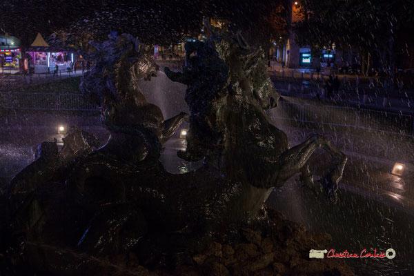 Le quadrige des chevaux marins est une représentation du Bonheur, Monument aux Girondins. Bordeaux, mercredi 17 octobre 2018. Reproduction interdite - Tous droits réservés © Christian Coulais
