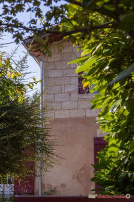 3 Habitat vernaculaire. Avenue de Moutille, Cénac, Gironde. 16/11/2017