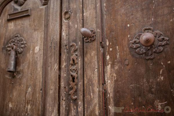 5a Détail de ferronnerie, porte double, Arles