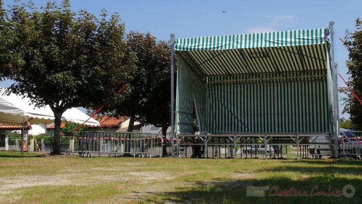 Scène ouverte place du bourg de Cénac. Festival JAZZ360 2013. Photographie : Christian Coulais