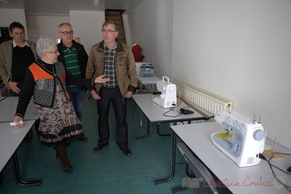 Là, l'Atelier de couture. Epicerie solidaire, l'Annexe de la Cabane, 38, rue Amaury de Craon à Créon