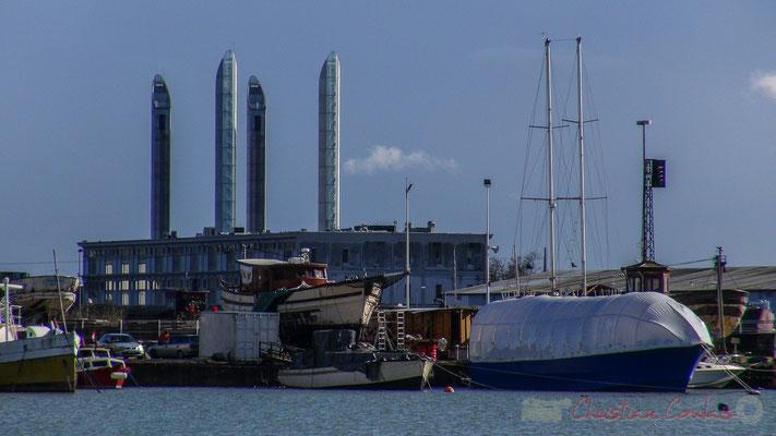 Réparation des gros bateaux. Bassins à flot, Bordeaux, Gironde. Vendredi 26 février 2016