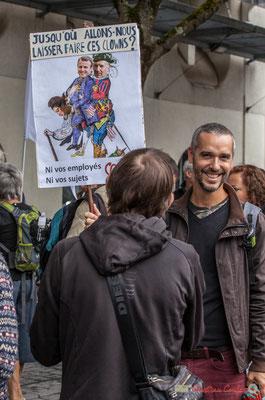 """""""Jusqu'où allons-nous laisser faire ces clowns ? Ni vos employés, ni vos sujets Phi"""" Manifestation contre la réforme du code du travail. Rue Georges Bonnac, Bordeaux, 12/09/2017"""