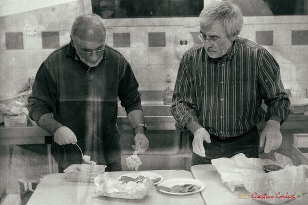 Préparation des assiettes, Soirée-Cabaret JAZZ360, Cénac, samedi 4 novembre 2017
