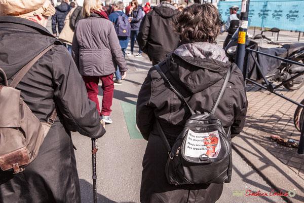 """15h31 Lutte ouvrière """"Nous sommes tous des cheminots ! Nous sommes tous des travailleurs !"""" Manifestation intersyndicale de la Fonction publique/cheminots/retraités/étudiants, rue Esprits des Lois, Bordeaux. 22/03/2018"""