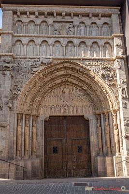 Porche de l'église Santa Maria la real / Portada de la Iglesia Santa Maria la Real, Calle Mayor, Sangüesa, Navarra