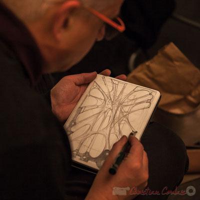 Eric Lefeuvre, artiste-peintre-architecte, dessine une seconde œuvre. Le Rocher de Palmer, 12/12/2015. Reproduction interdite - Tous droits réservés © Christian Coulais