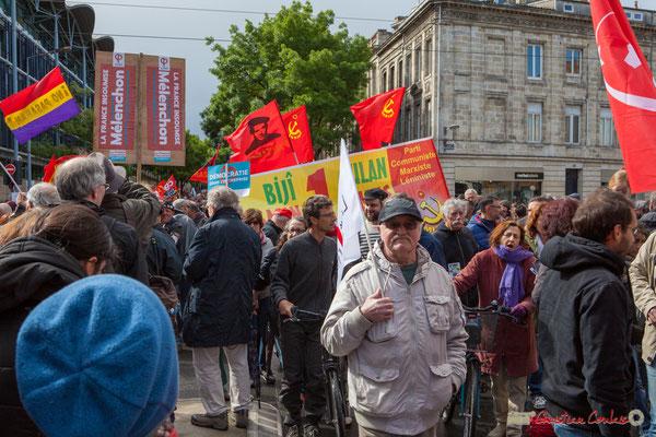 """""""Parti Communiste Marxiste Léniniste"""" Manifestation du 1er mai 2017, avec la France Insoumise, cours d'Albret, Bordeaux"""