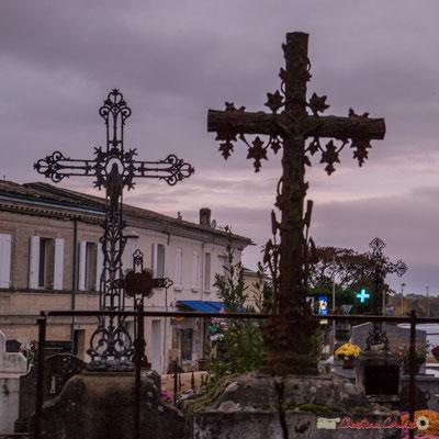 Croix métalliques. Cimetière classé de l'église Saint-André, Cénac. 10/11/2017