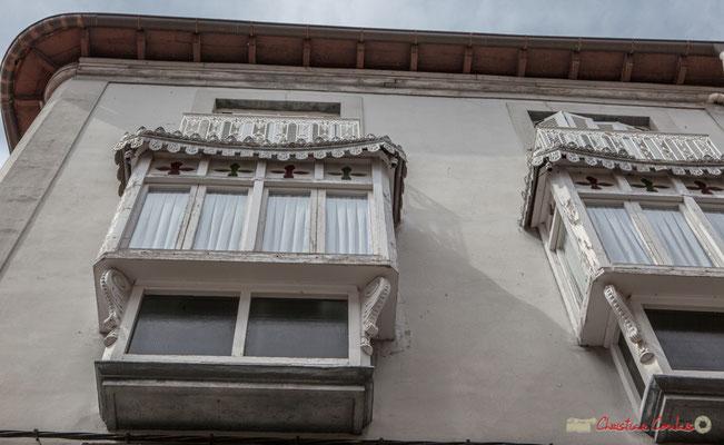 Maison aux bow-windows / Casa con ventanas de arco. Lumbier, Navarra