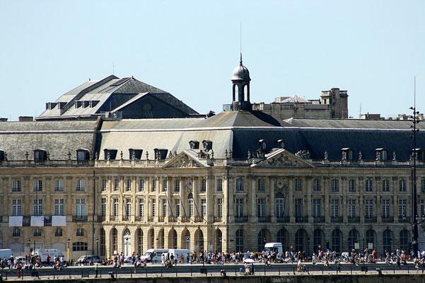 Quai du Maréchal Lyautey, Palais de la Bourse, Bordeaux. Reproduction interdite - Tous droits réservés © Christian Coulais