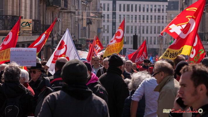 14h15 La CGT est en tête. Manifestation intersyndicale de la Fonction publique/cheminots/retraités/étudiants, place Gambetta, Bordeaux. 22/03/2018