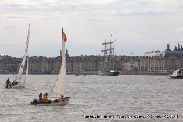 Les voiliers régatent sur la Garonne. Gabare les Deux Frères, Bordeaux, samedi 16 mars 2015