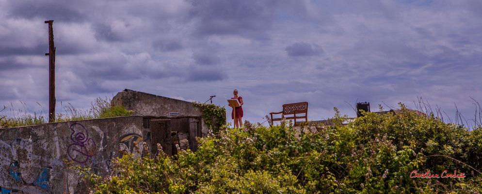 """""""Scène improbable 1"""" Bunker, batterie des Arros, mur de l'Atlantique, Soulac-sur-Mer. Samedi 3 juillet 2021. Photographie © Christian Coulais"""