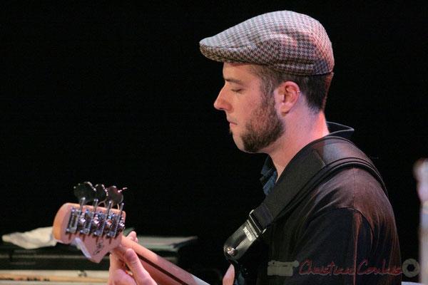 Bassiste, Big Band du Conservatoire Jacques Thibaud, section MMA. Festival JAZZ360, Cénac. 03/06/2011