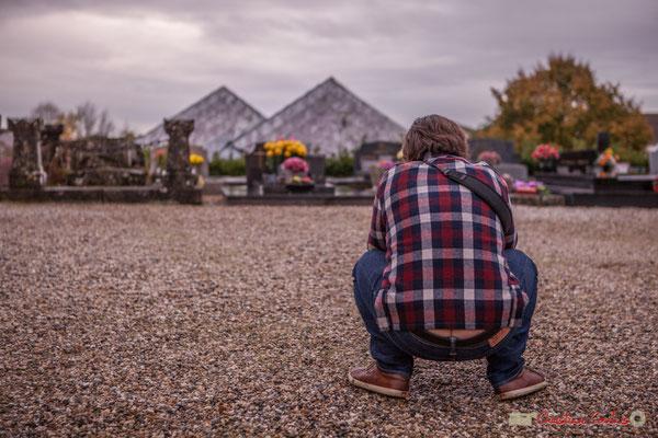 """""""L'homme qui photographie l'homme qui photographie la Maison pour Tous"""" Cénac. 10/11/2017"""